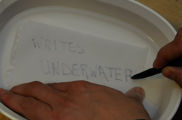 space pen writing underwater