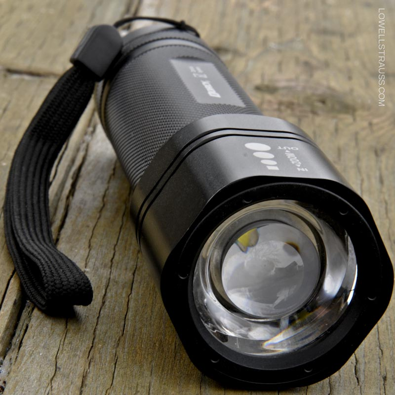 Dorcy ZX300 Zoom Focus Flashlight - Review